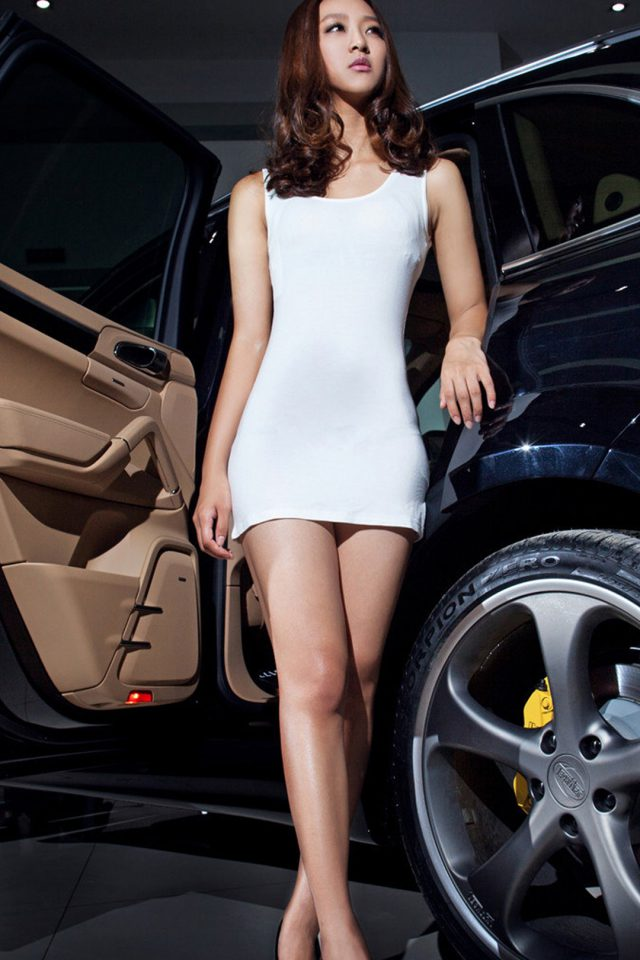 Porsche Cayenne And Girl Android wallpaper