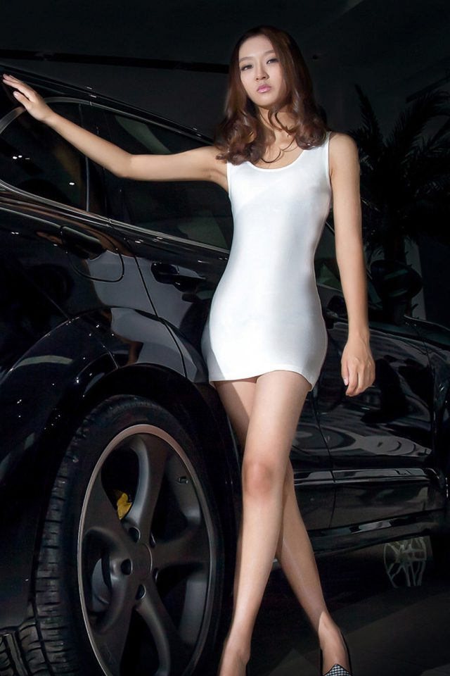Porsche SUV Girl Android wallpaper