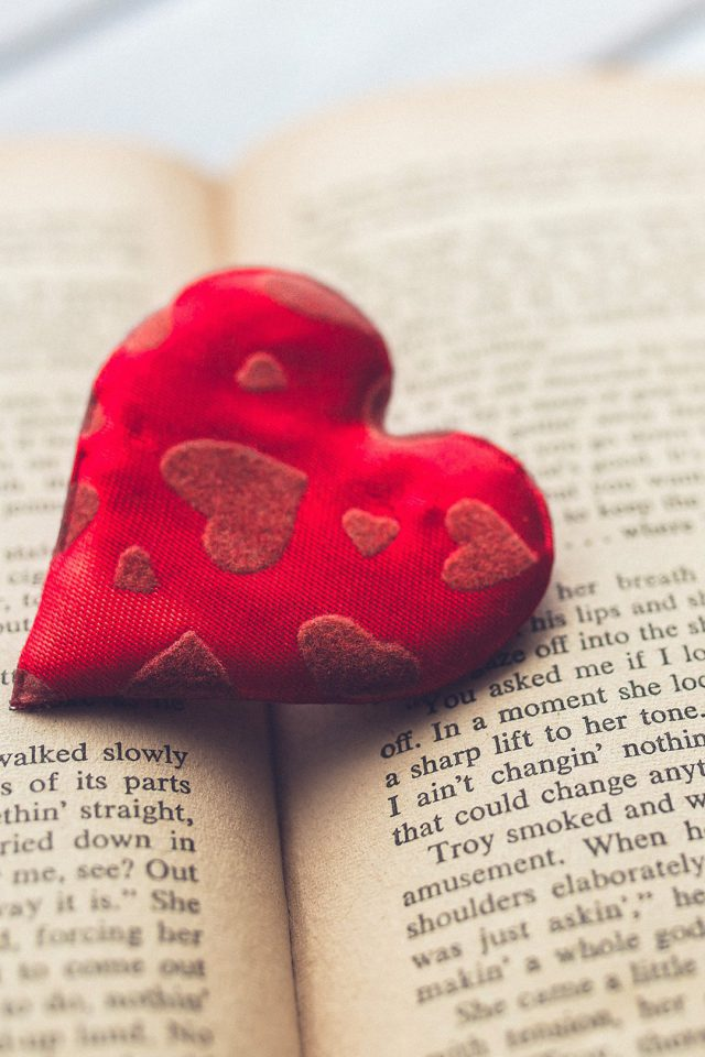 Romantic Hear Love Book Android wallpaper