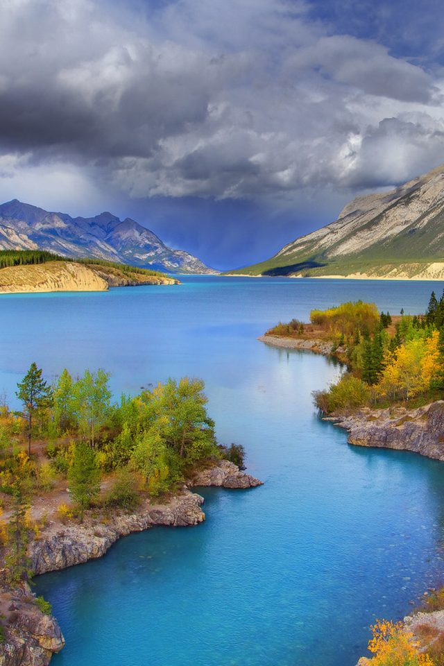 Stunning Banff National Park Android wallpaper
