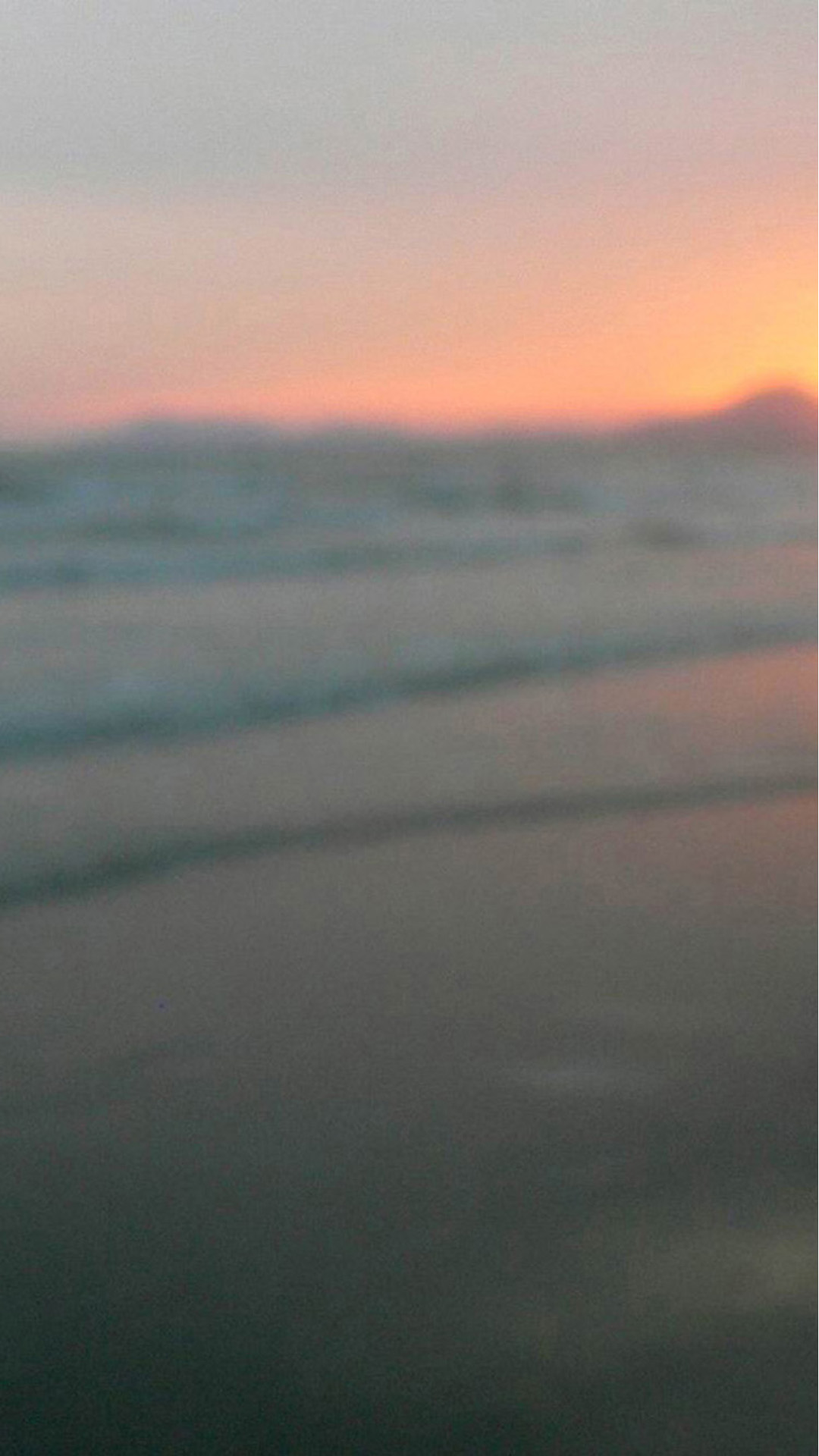 Blurry Beach Sunset Android wallpaper