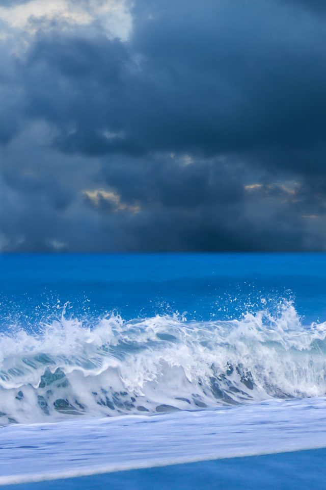 Beautiful waves beach Android wallpaper