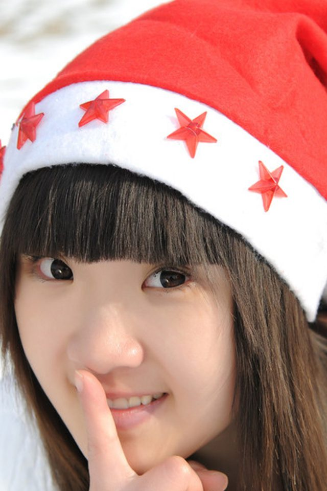Cute Girl Christmas Android wallpaper