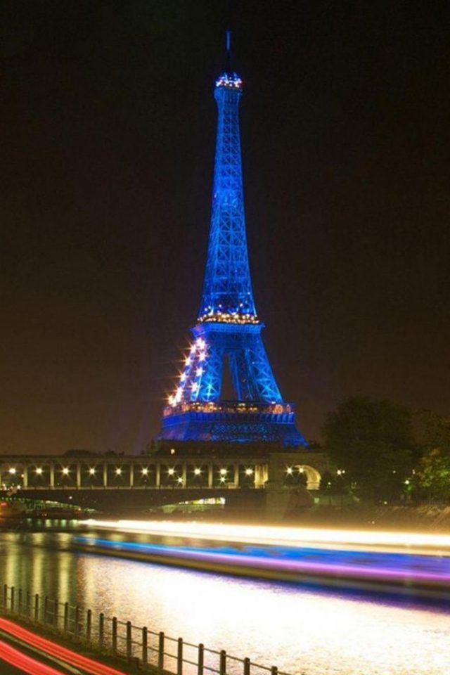 Eiffel Tower In Paris Blue Android wallpaper