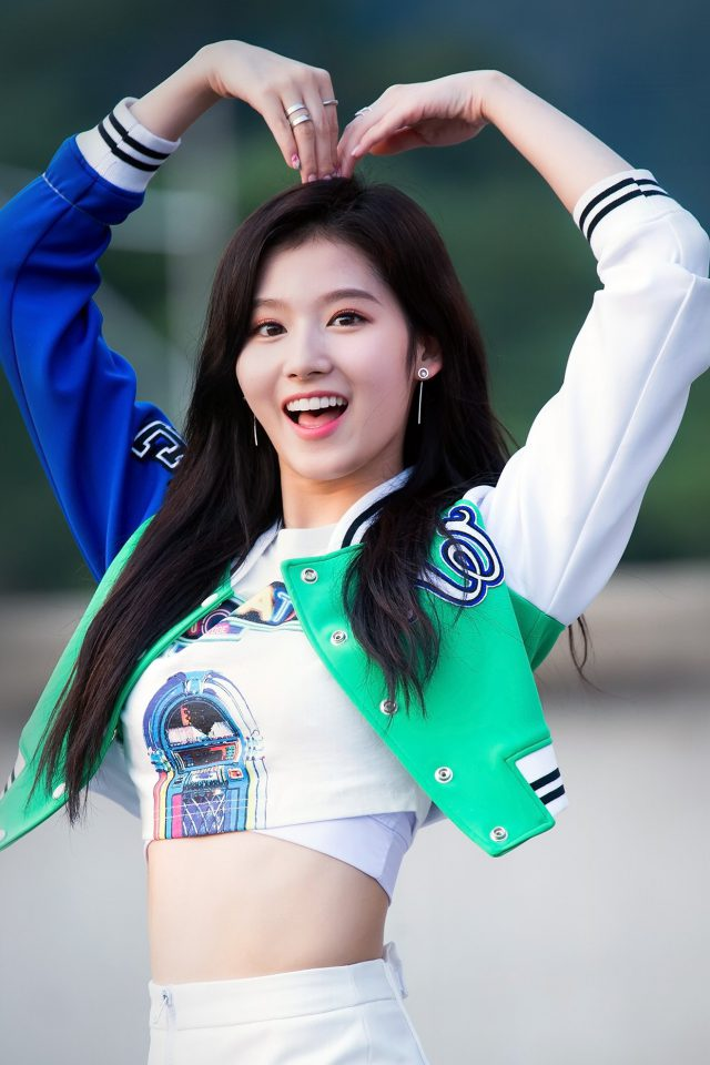 Kpop Sana Heart Love Cute Girl Celebrity Android wallpaper