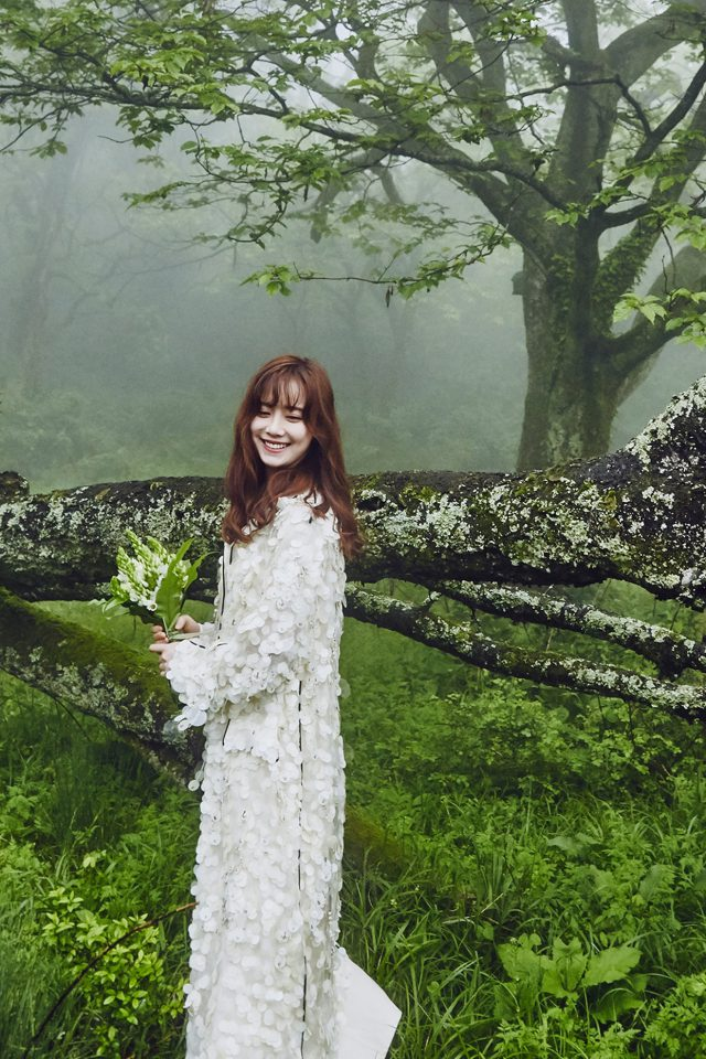 She Is Happy Kpop Wedding Photo Android wallpaper