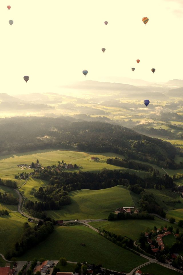 Balloon Party Green Mountain Nature Android wallpaper
