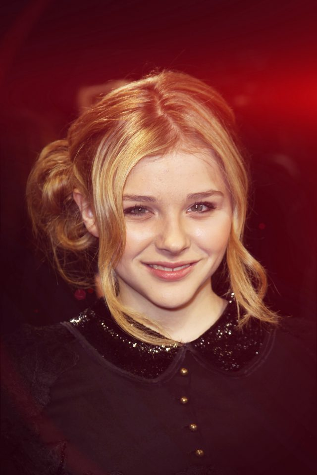 Chloe Moretz Dark Smile Film Cute Flare Red Android wallpaper