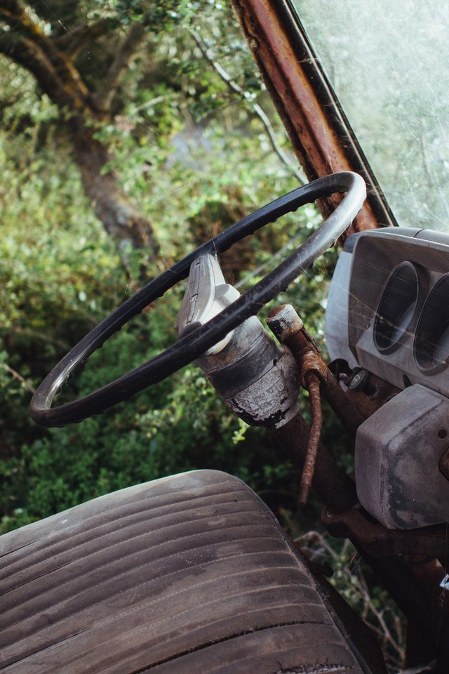 Old Car Forest Vintage Nature Carl Kadysz Android wallpaper