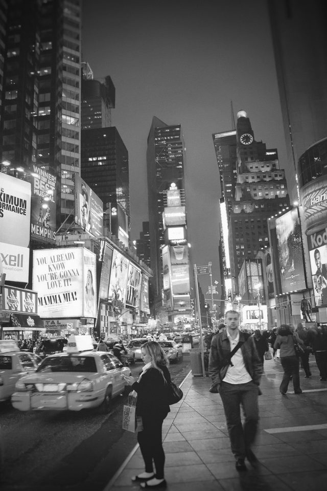 New York Street Night City Dark Bw Vignette Android wallpaper