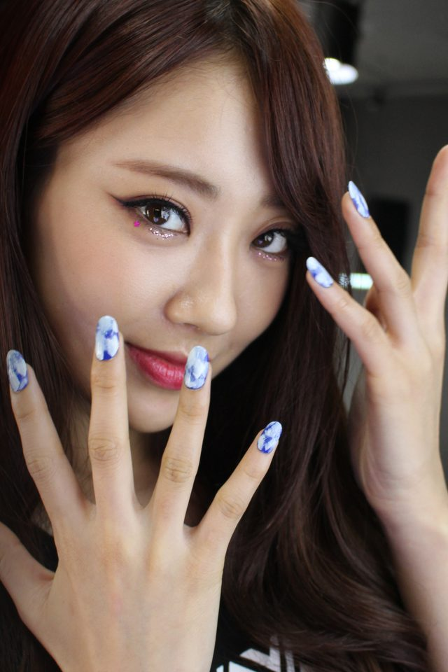 Asian Girl Cute Nail Android wallpaper