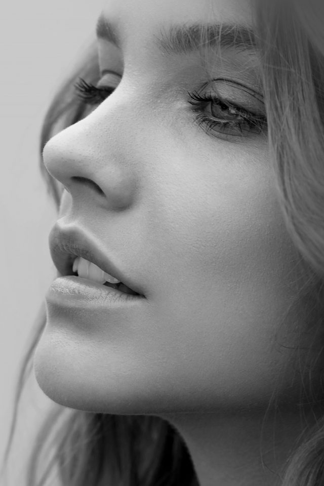 Barbara Palvin Face Bw Dark Android wallpaper