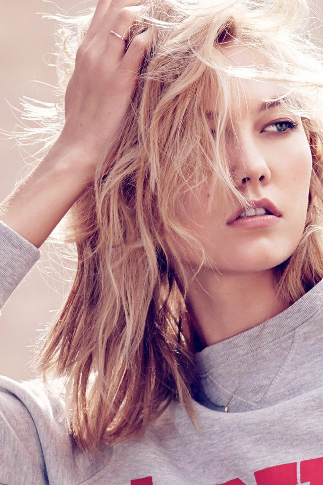 Karlie Kloss Model Natural Girl Pose Android wallpaper