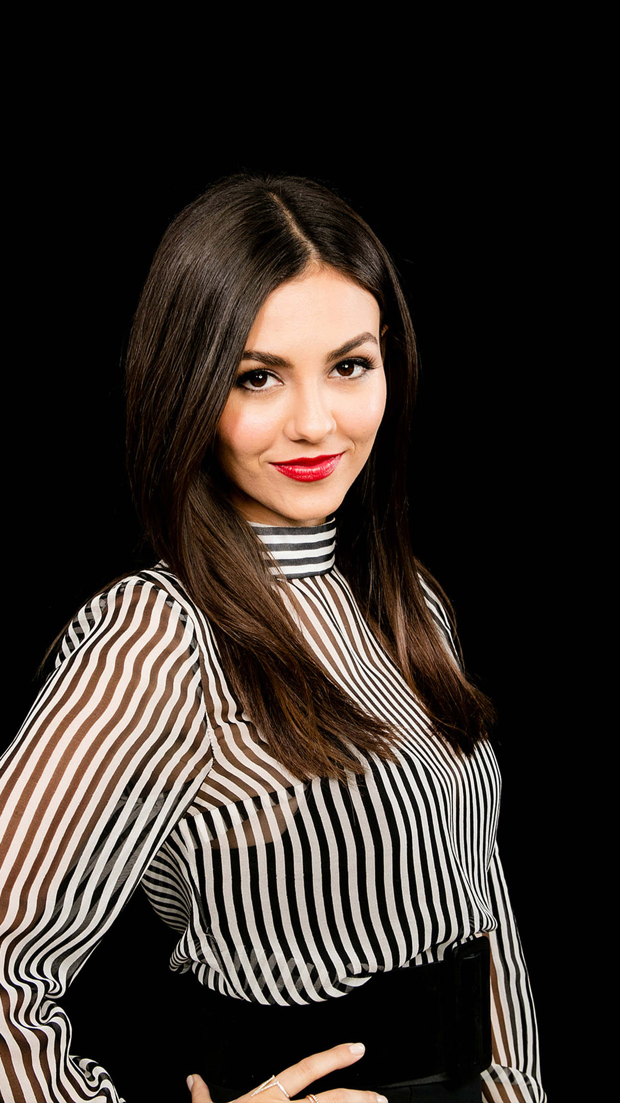 Victoria Justice Actress Celebrity Dark Android Wallpaper