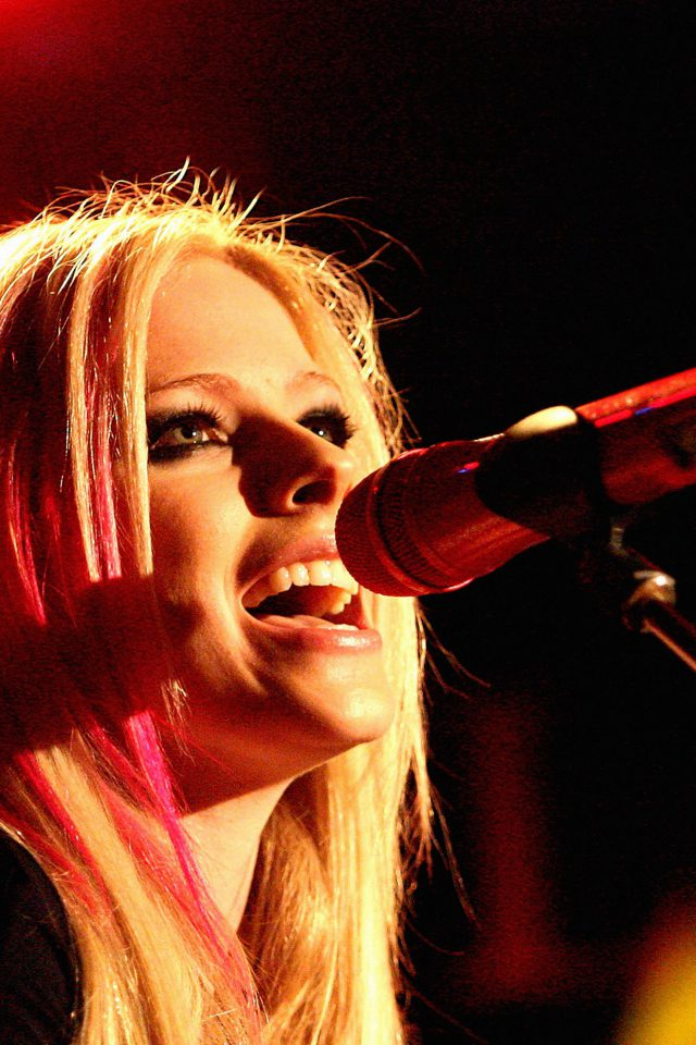 Wallpaper Avril Lavigne Sing Concert Android wallpaper